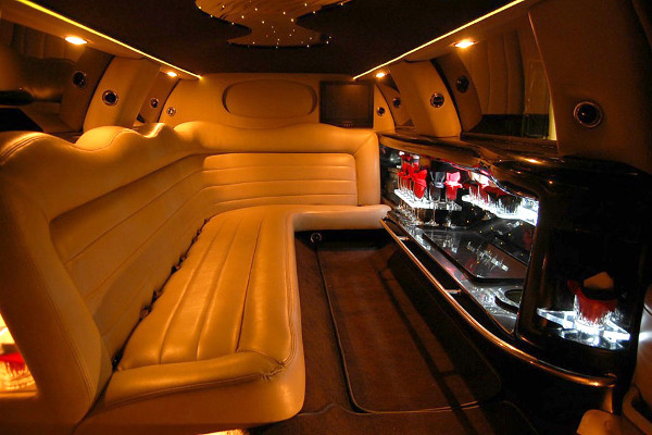 8 Person Lincoln Limo Service Houston